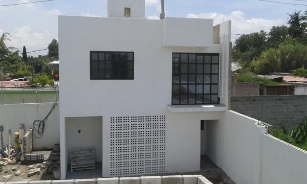 Foto casa minimalista de construcciones leon 128546 for Casa minimalista aguascalientes