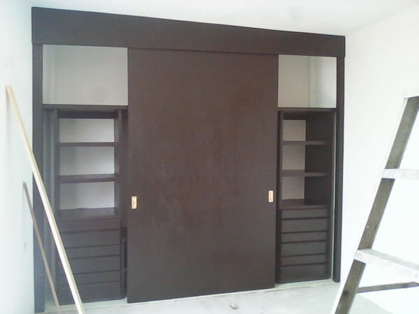 Foto closet color chocolate de 168635 for Closets queretaro precios