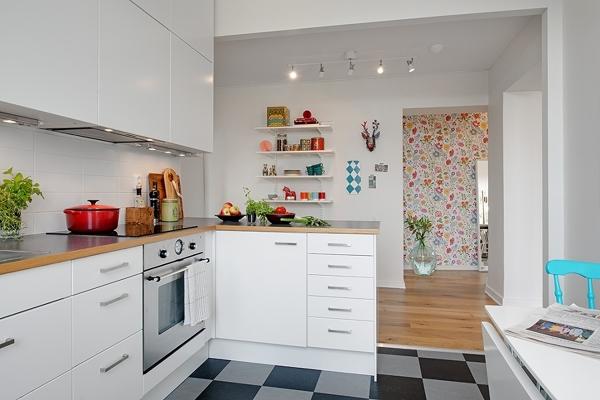 Foto: Cocina Abierta con Mesa Plegable para Comer #221055 - Habitissimo