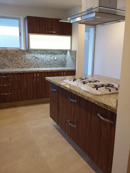 Foto cocina con isla con cubiertas de granito de conlaf 186448 habitissimo - Cocina con isla precio ...