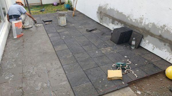 Foto colocaci n de piedra natural para el piso cantera - Colocacion de piedra natural ...