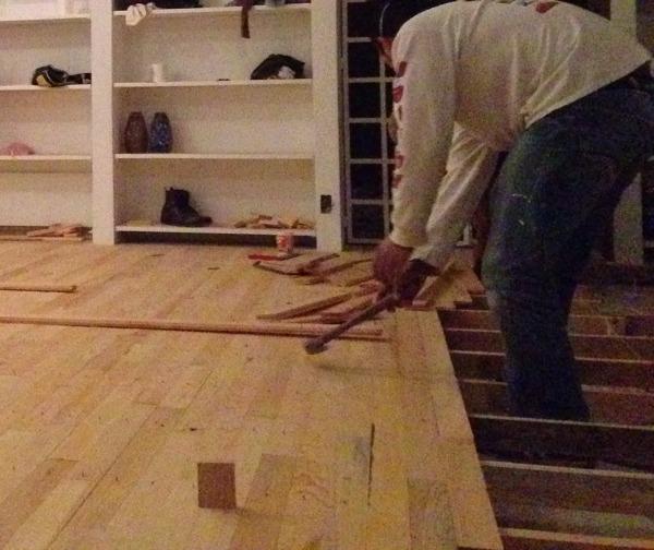 Foto colocaci n duela de madera de l g arquitectos - Duelas de madera ...