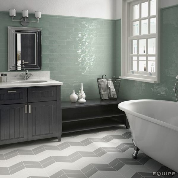 Foto: Cuarto de Baño con Azulejos de Color Verde Agua con Brillo ...