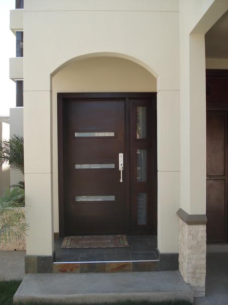Foto entrada principal de tu casa facil 107622 habitissimo for Puertas para casa entrada principal
