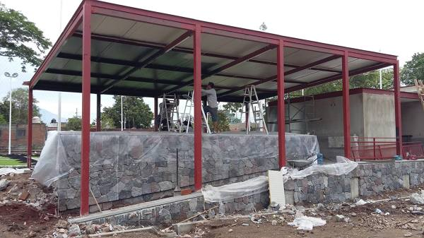 Foto Estructura Terraza Campo De Futbol De Delta Pintura