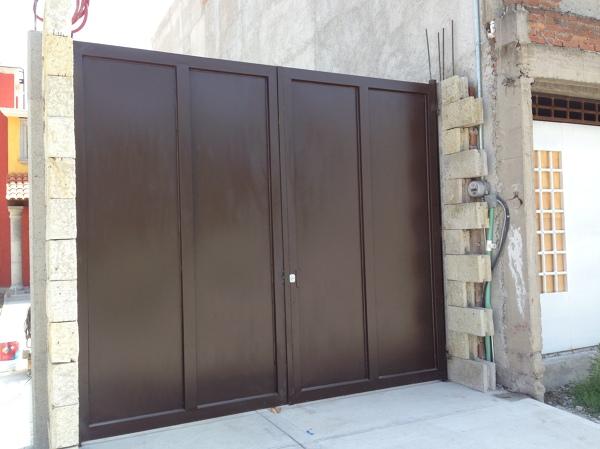 Foto herreria en puertas y portones de acmx s a de c v for Disenos de portones modernos