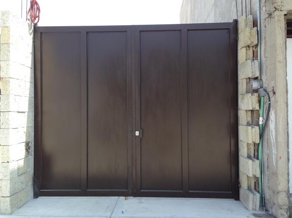 Foto herreria en puertas y portones de acmx s a de c v for Puertas herreria exteriores