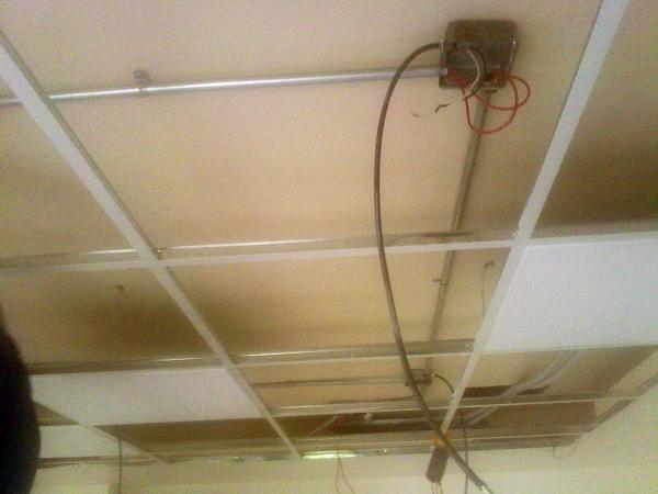 Foto instalacion electrica de oficinas alumbrado de - Instalacion electrica jardin ...