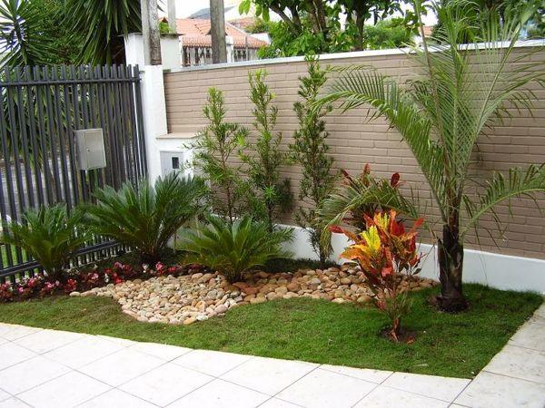 Foto Jardin Con Pasto Piedras Y Flores De Domeniconi Design