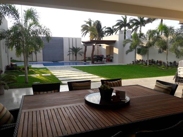 Foto jardin y terraza posterior de arconsu edificaciones - Ikea terraza y jardin ...