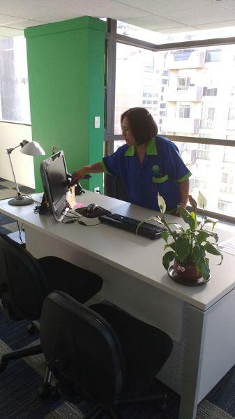 Foto limpieza de oficinas 2 de servicios de limpieza for Limpieza oficinas