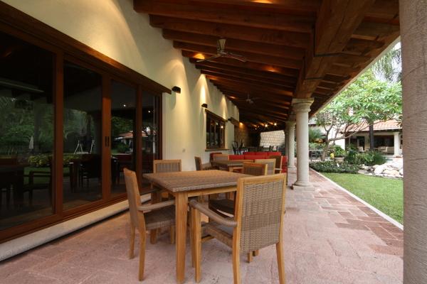 Foto mesas de juego y sala en la terraza de a3 for Salas de terraza