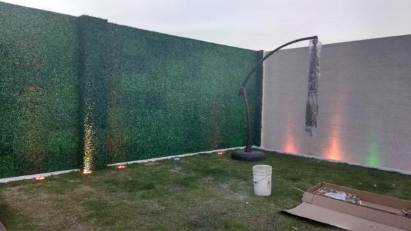 Foto muro lloron y muro verde de arq forma m xima - Como hacer un muro verde ...