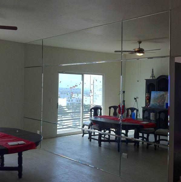 Foto pared de espejo de ganti decoraciones 119977 for Precio de espejos de pared