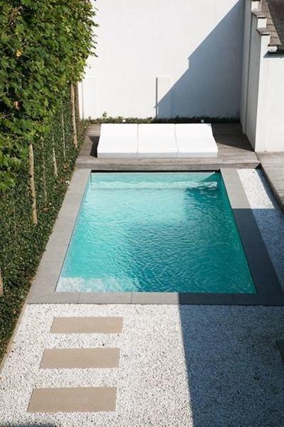 Foto terraza con alberca peque a 258964 habitissimo Piscinas alargadas y estrechas