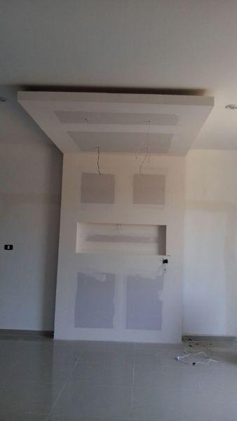 Foto Plafon Con Iluminacion Led Y Mueble En Tablaroca De