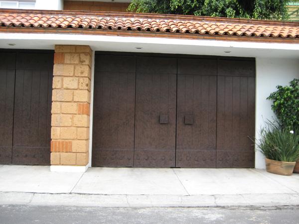 Foto port n y teja de decoraci n y arquitectura 201203 for Marquesinas para puertas de entrada