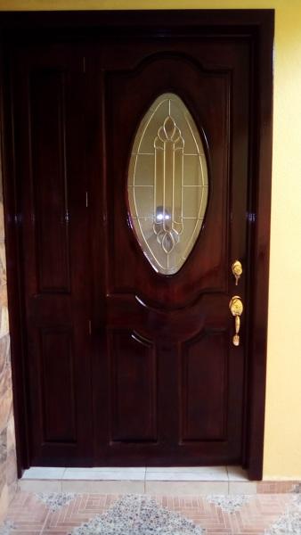 Foto puerta de entrada principal en banak de arte y - Puertas de entrada de diseno ...
