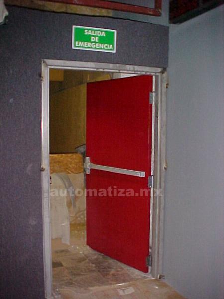 foto puerta de salida de emergencia de abc puertas