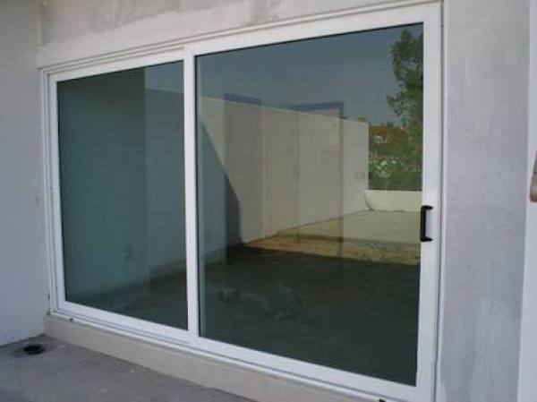 Foto puertas corredizas en linea nacional blanco vidrio for Puerta corrediza de vidrio