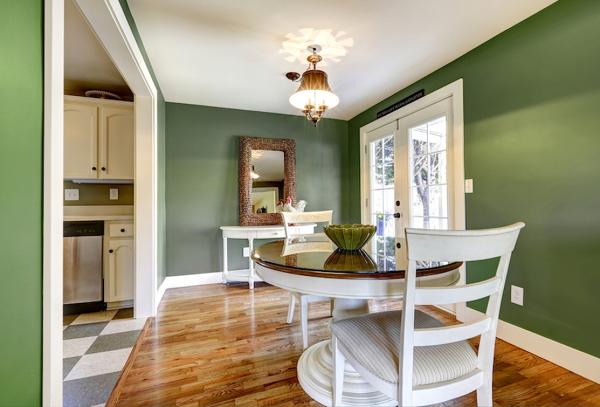 Foto casa con paredes pintadas en color verde kale - Casas color verde ...