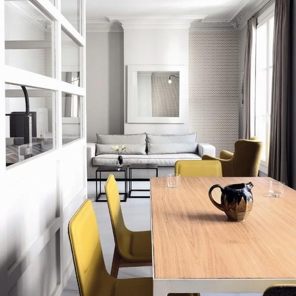 Foto salon con sillas amarillas 135430 habitissimo for Sillas cocina amarillas