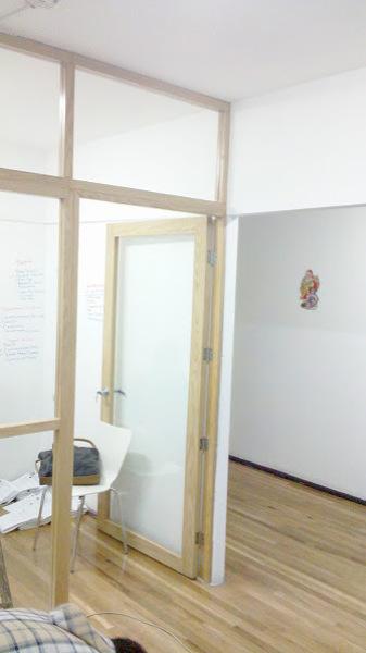 Foto Tablaroca Puertas Y Ventanas Division Con Vidrio