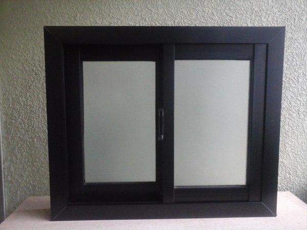 Foto ventana aluminio negro de c g m proyecta optimiza for Colores de aluminio para ventanas en mexico