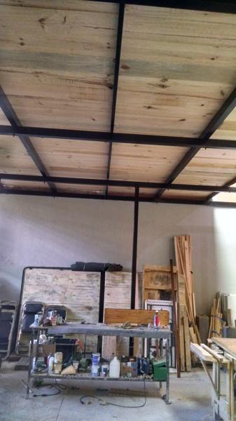 Foto vista inferior de la madera en rea de trabajo del for Oficinas de klm