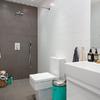 Baño sin cancel ni plato de ducha