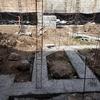 Cimentación a base de zapatas corridas y aisladas de concreto armado.