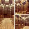 Closet elegante con luz led cálida y puertas de cristal