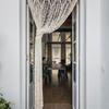Puerta con cortina anti-insectos