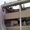 Demolición de edificio y estacionamiento