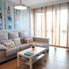 Sala remodelada de estilo ecléctico