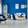 living con decoración azul