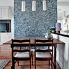 Remover tapiz de algunas paredes  y pintar toda una casa por dentro y por fuera con 70mts