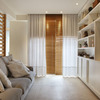 Tablones de madera horizontales en la sala