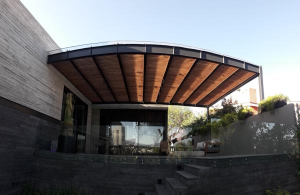 Foto p rgola de madera en la terraza 248075 habitissimo for Cuanto cuesta poner una piscina en casa