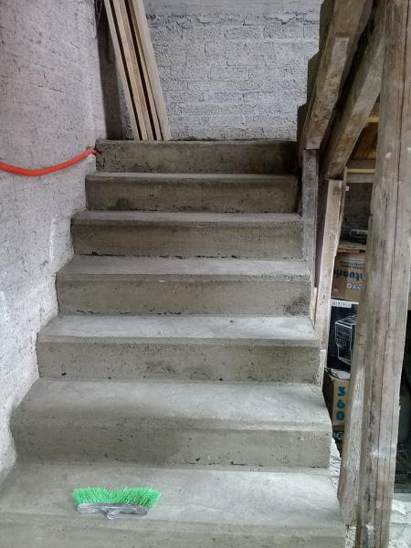 Cu l es el precio por m2 para construir esta escalera for Cuanto cuesta una piscina de cemento