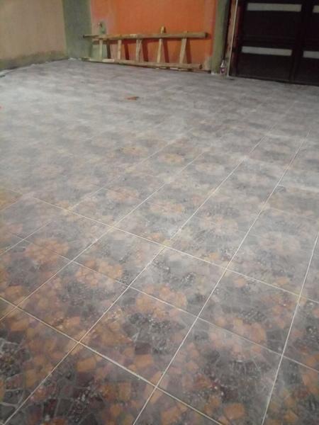 Quitar cemento de piso poroso