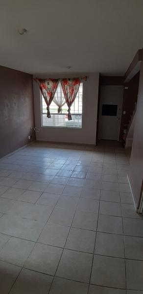 ¿Que debo hacer si el agua se filtra por la losa de primer piso a la planta baja?