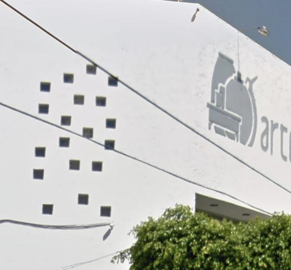 ¿Se puede colocar vitroblock en muro colindante?