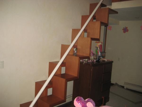 cunto cuestan unas escaleras de madera para un tapanco como las de la fotografa - Escaleras Madera