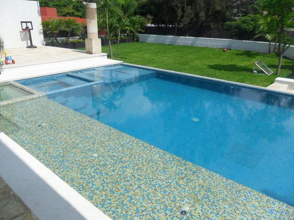 Cu nto mide qu materiales y qu cost habitissimo for Costo para construir una piscina