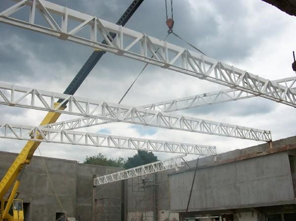 ¿Cuánto cuesta construir una nave industrial de 20x10x10 metros?
