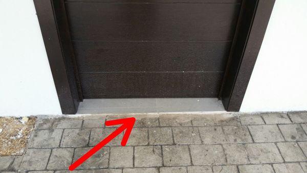 ¿Cuál es la importancia del escalón de entrada a una casa?
