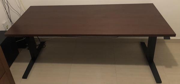 ¿Cuánto costaría un vidrio para un escritorio de 177,3cm x 73,2cm?