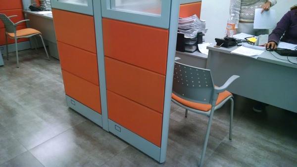 ¿A qué color podría cambiar una mampara naranja?