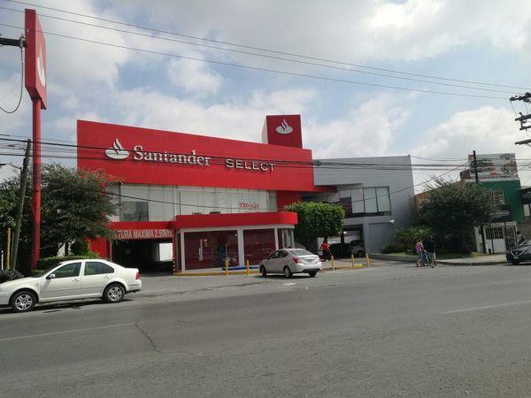 Material de las fachadas de banco Santander